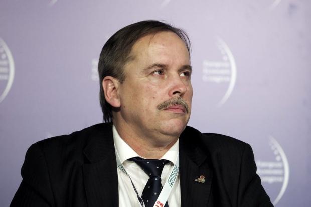 Zdzisław  Bik -  prezes zarządu , Fasing - sylwetka osoby