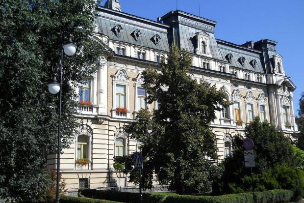 Nowosądecki ratusz, siedziba władz miejskich, Fmbar22 / Wikimedia commons / (CC BY-SA 3.0)