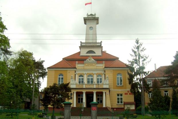Urząd Miejski w Otwocku - jednego z miast okręgu wyborczego Warszawa II, KubaZ / Wikimedia commons / (CC BY-SA 4.0)
