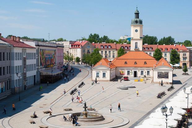 Białostocki Rynek Kościuszki, Karol Rutkowski / Wikimedia commons / (CC BY-SA 3.0)